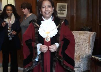 School Parliament meets Mayor of Redbridge